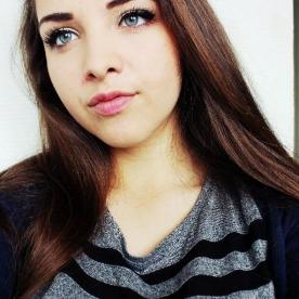 mannequin yeux bleus